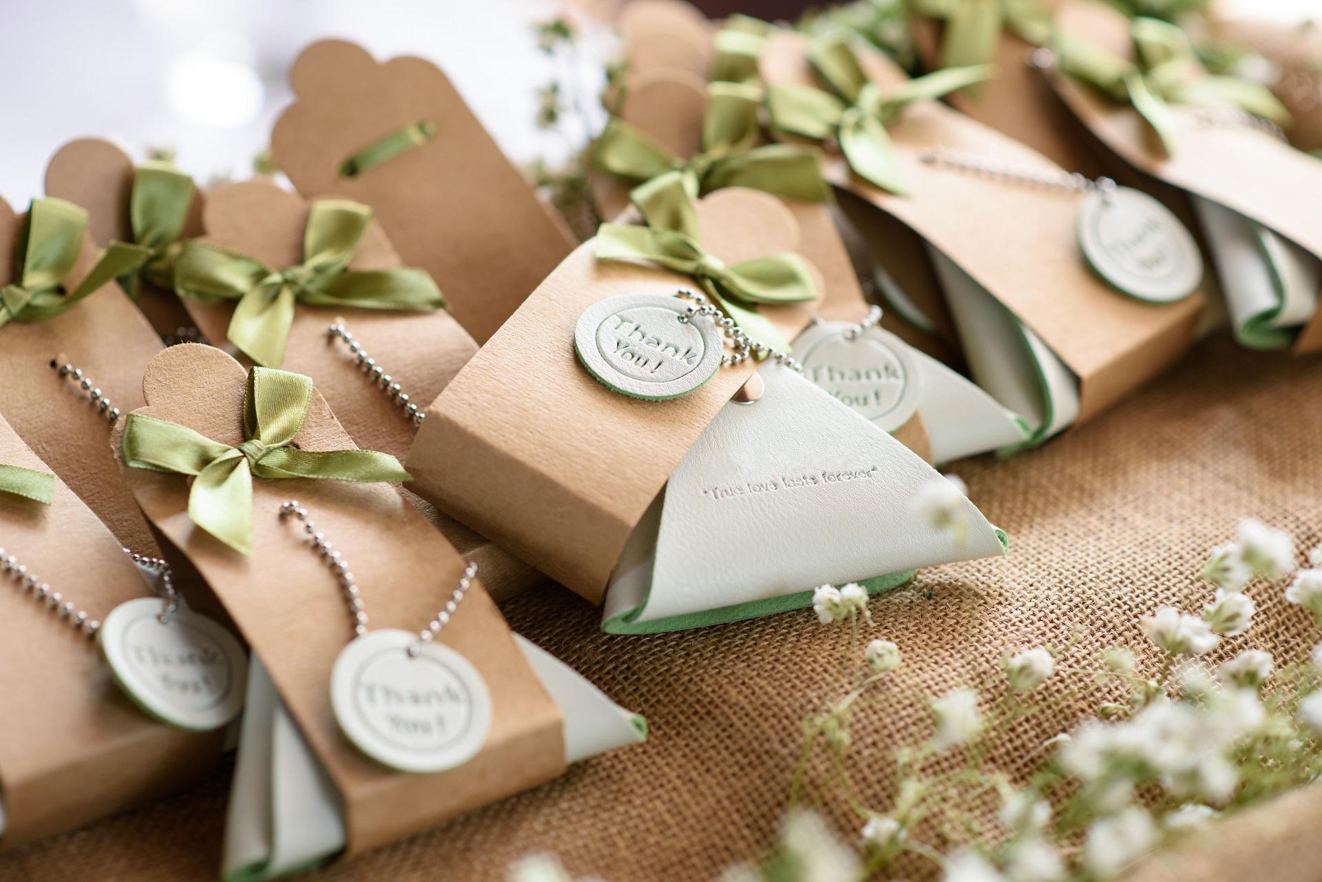 Przydatne dekoracje i akcesoria ślubne