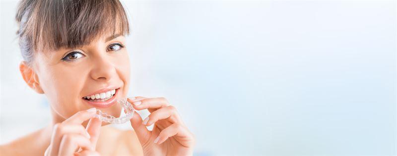 Nakładki prostujące zęby