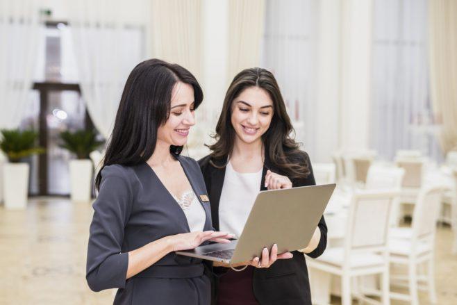 Czym zajmuje się hostessa na eventach?