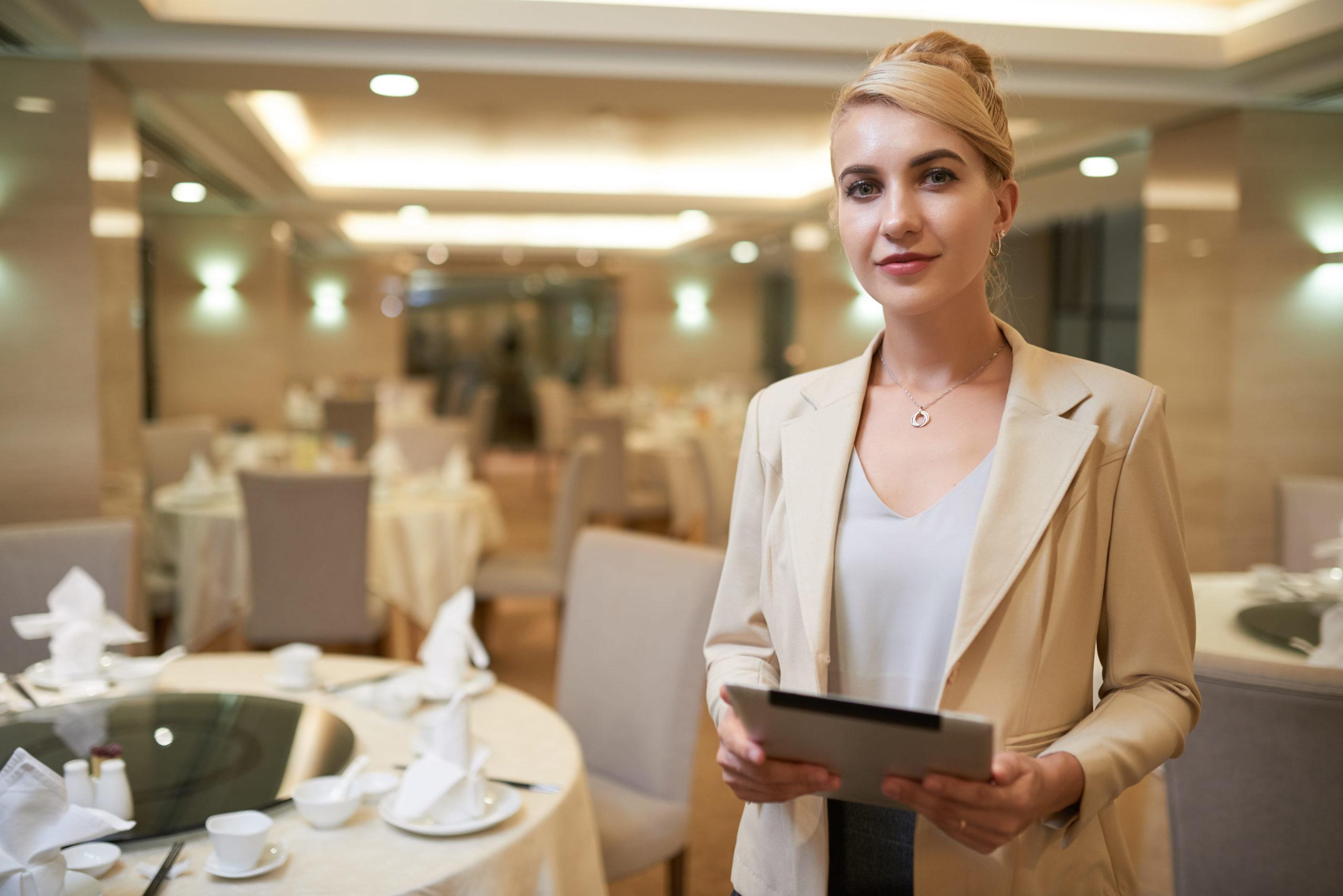 Agencje hostess oferują wynajem hostess na eventy