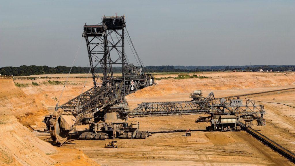 Rolki taśmociągu i inne części sprzyjające mechanizacji pracy