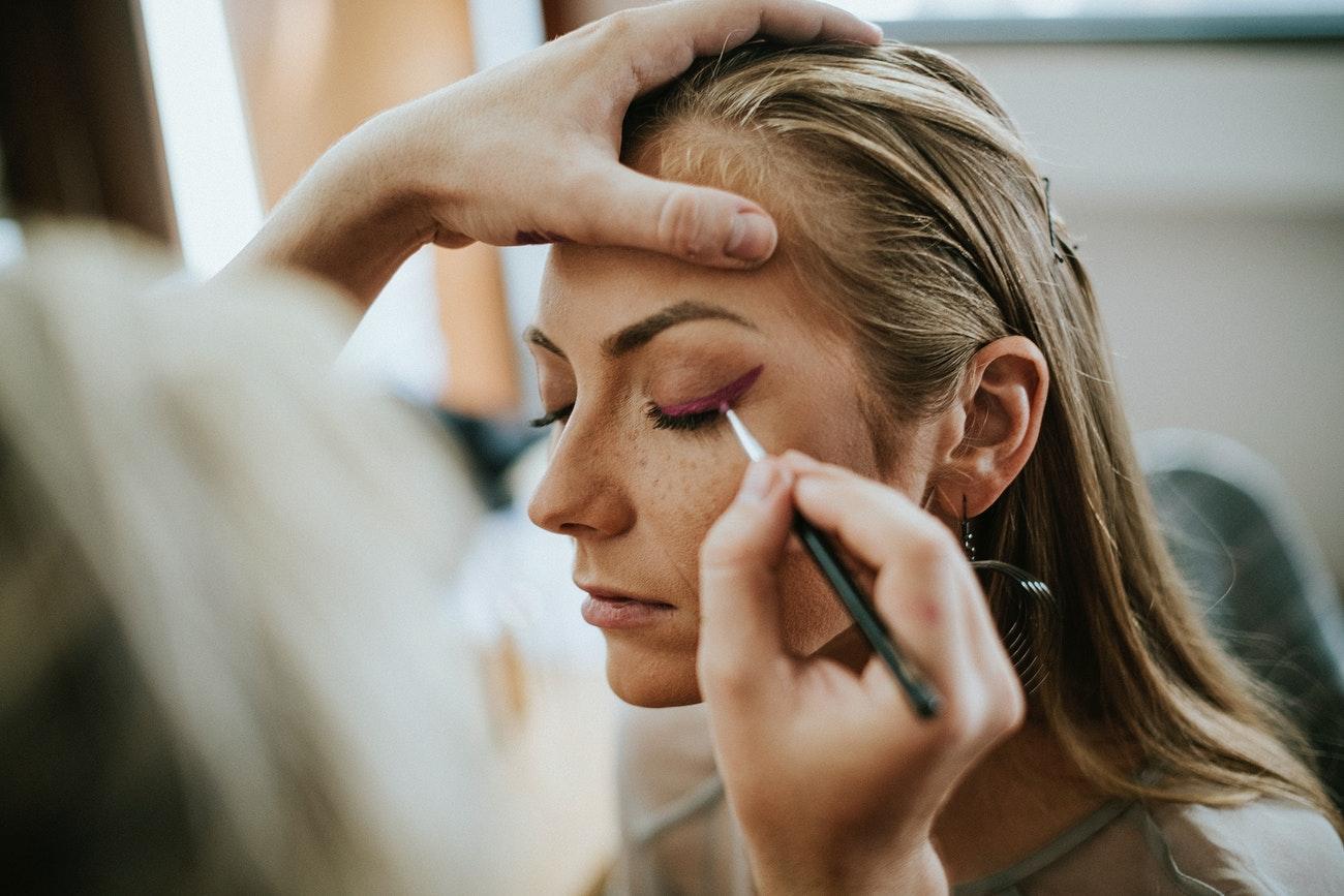 Trendy w makijażu oka jesień/zima 2020-2021